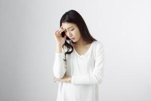頭痛、女性に多い偏頭痛の原因に食べ物?